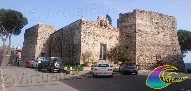 Fortezza Pisana – dove all'interno troviamo la Chiesa San Nicolò