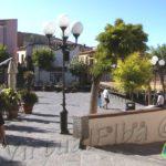 La Piazza con bella vista al centro di Capoliveri e spesso teatro di concerti