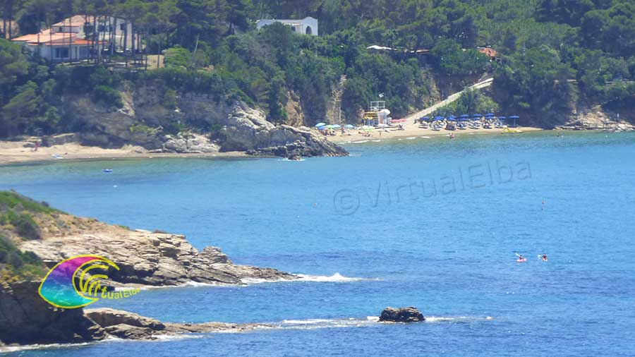 On the right the beach of the Calanchiole on the left the end of the Lido di Capoliveri beach